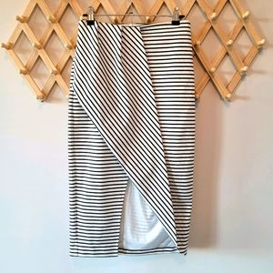FINDERS KEEPERS Striped Skirt (sXS) Split front